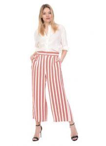 Pantalones cortos de rayas rojas y blancas