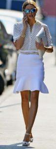 look femenino de moda para el día de juramento