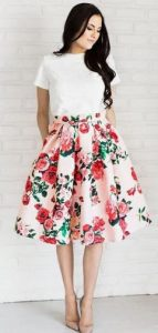 falda midi floral en línea alpha