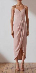 elegante vestido beige