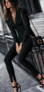 traje de mujer negro